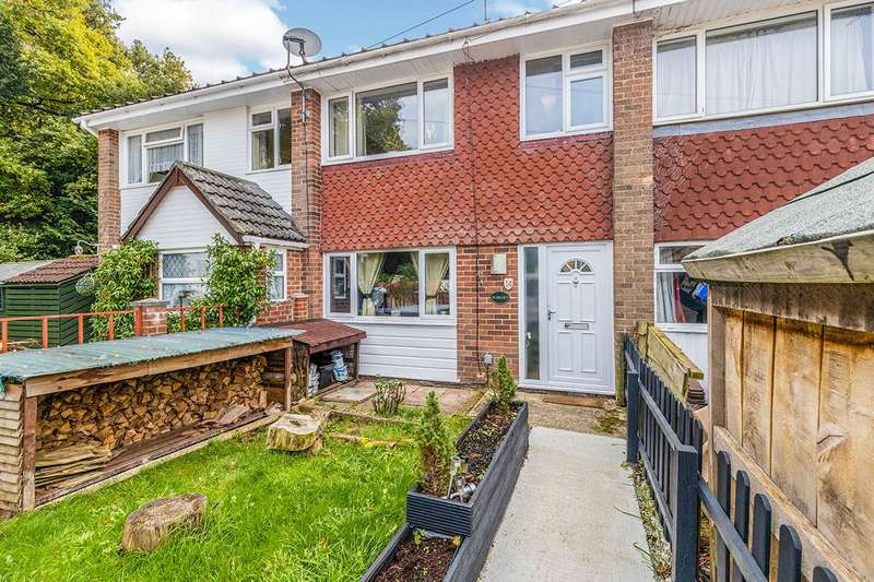 3 Bedrooms House for sale in Spinney Close, Waterlooville, Hampshire, PO8