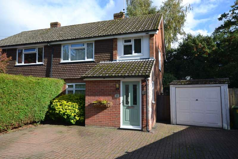 3 Bedrooms Semi Detached House for sale in Washford Lane, Bordon, Hampshire, GU35