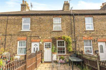 2 Bedrooms Terraced House for sale in Garden Cottages, Main Road, Orpington, Kent