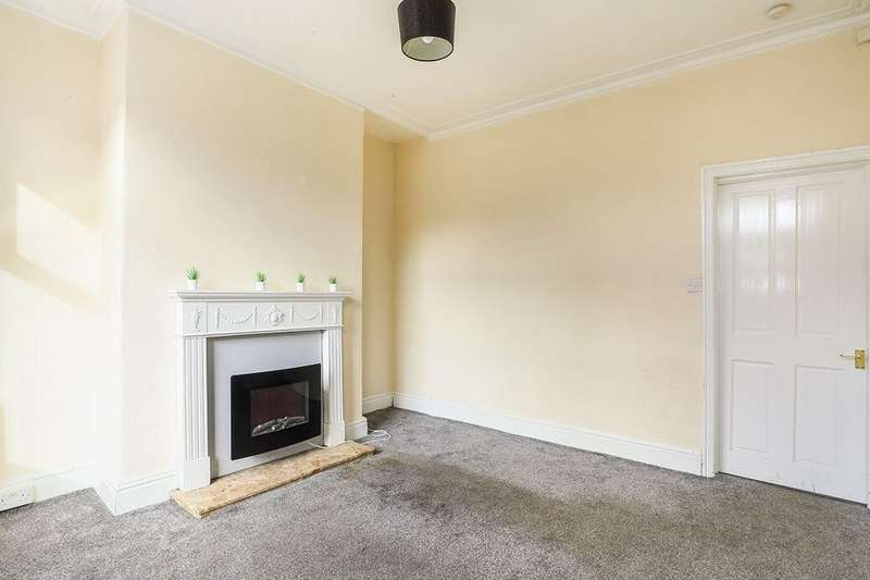 2 Bedrooms Terraced House for rent in Lichfield Avenue, Stockport, SK5