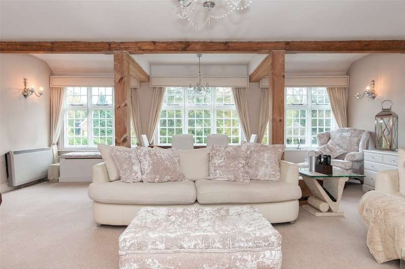 2 Bedrooms Apartment Flat for sale in Lade Court, Holmbury St. Mary, Dorking, Surrey, RH5