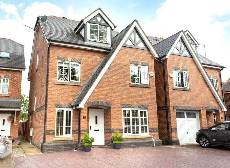 4 Bedrooms Detached House for sale in Old Clough Lane, Worsley, Manchester, M28