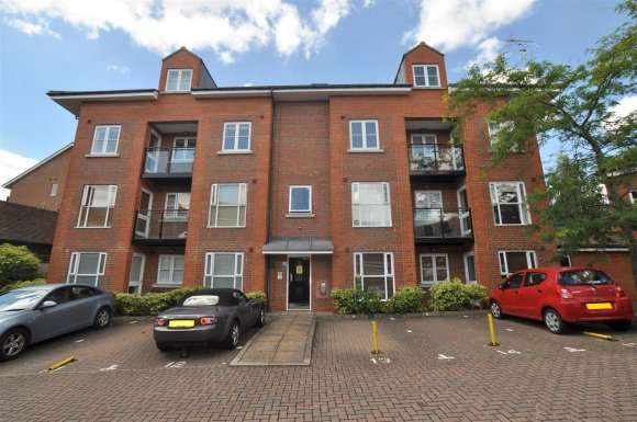 2 Bedrooms Flat for sale in Bancroft, Hitchin