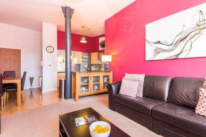 3 Bedrooms Flat for sale in Princess Street, Manchester, Greater Manchester