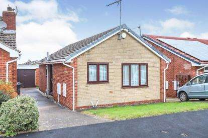 2 Bedrooms Bungalow for sale in Hawthorn Avenue, Waterthorpe, Sheffield, South Yorkshire