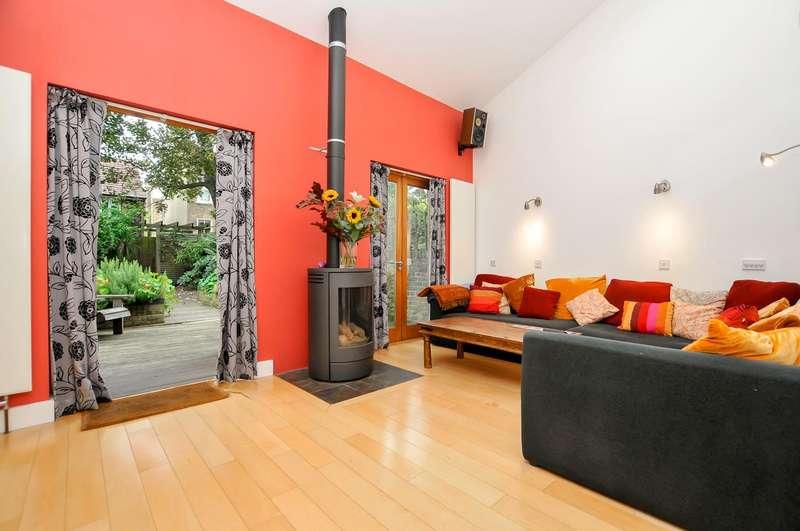 4 Bedrooms Terraced House for sale in Shakspeare Walk, Stoke Newington, N16