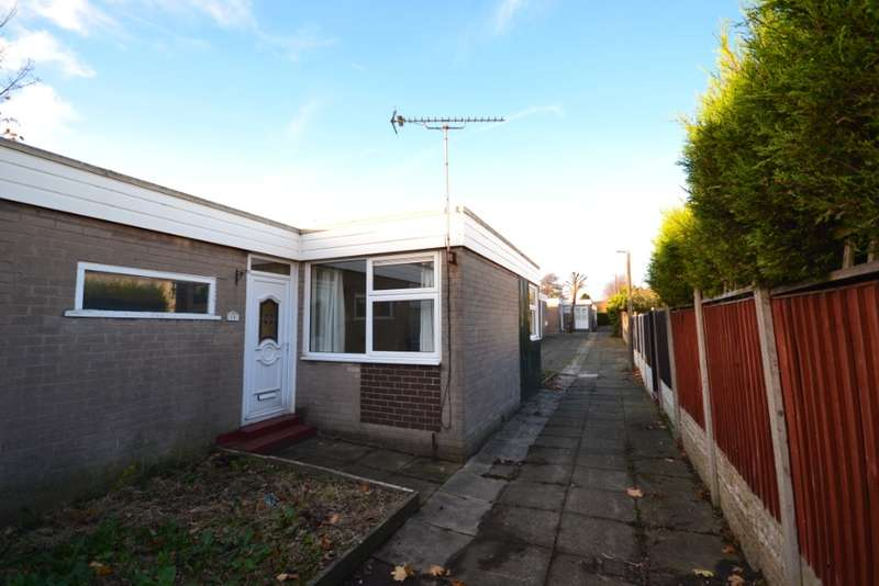 3 Bedrooms Semi Detached House for rent in Darfield, , Up Holland, WN8 0AT
