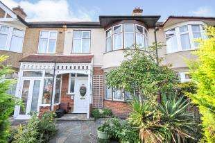 3 Bedrooms Terraced House for sale in The Drive, Beckenham, Bromley, England