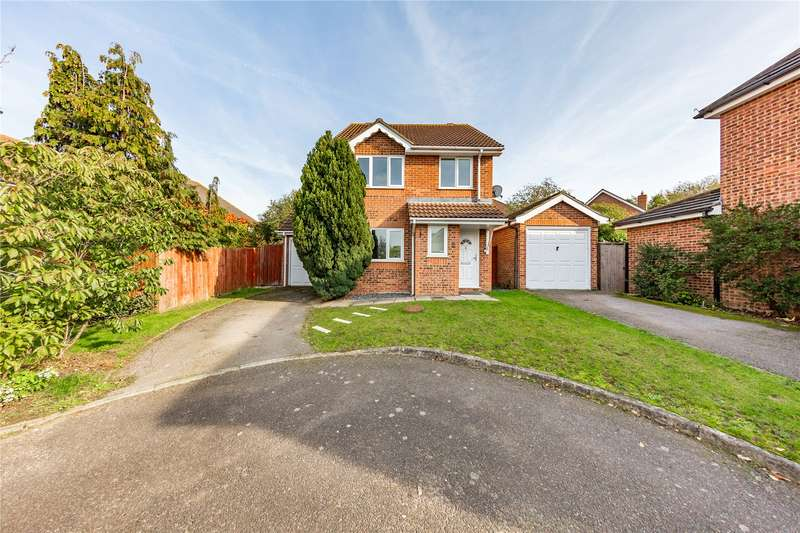 3 Bedrooms Detached House for sale in Oakham Close, Langdon Hills, Basildon, SS16