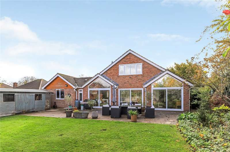 5 Bedrooms Detached Bungalow for sale in Downs Road, South Wonston, Winchester, Hampshire, SO21