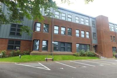 2 Bedrooms Flat for rent in Bank House, Sutton Coldfield. B72 1TT