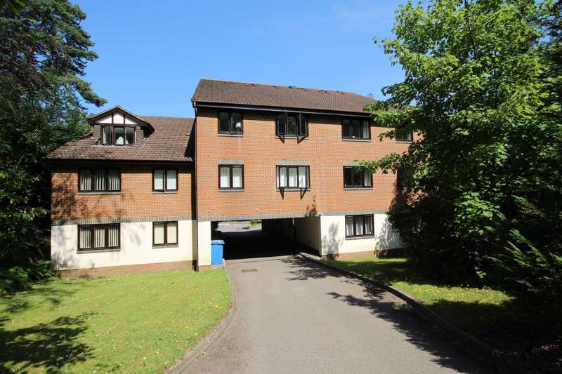 1 Bedroom Apartment Flat for sale in Crowthorne Road, Bracknell
