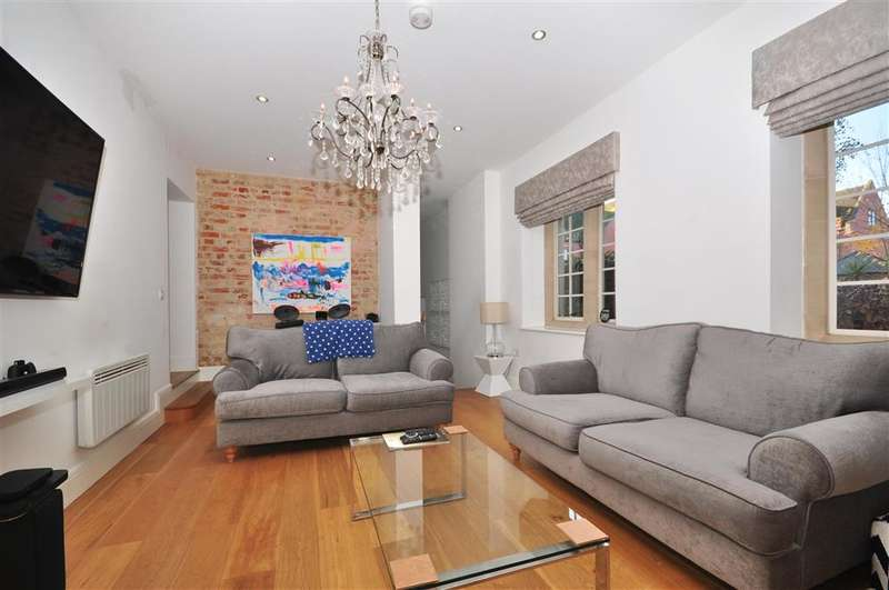 2 Bedrooms Ground Flat for sale in Tudor Court, , Brentwood, Essex