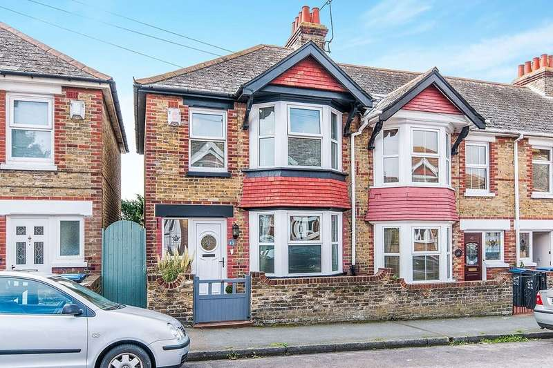 3 Bedrooms Semi Detached House for sale in Muir Road, Ramsgate, CT11