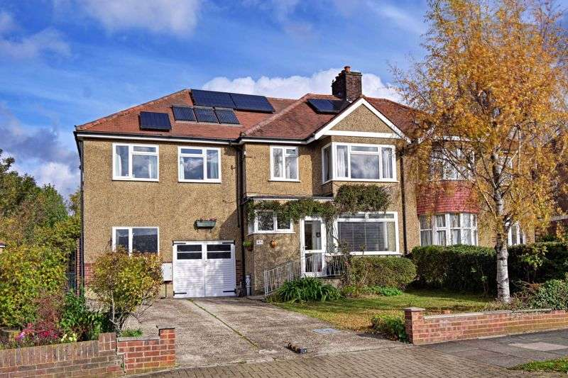 5 Bedrooms Property for sale in Charterhouse Road, Orpington
