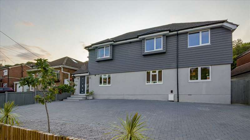 5 Bedrooms Detached House for sale in Hazelbank, Princes Avenue, Walderslade. ME5 8AR