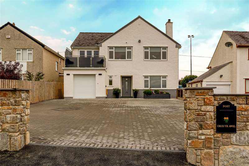 5 Bedrooms Detached House for sale in Greenfield Avenue, Llangefni, Anglesey, LL77