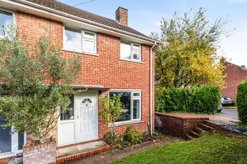 2 Bedrooms End Of Terrace House for sale in Furley Close, Winchester