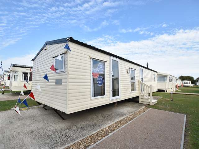3 Bedrooms Caravan Mobile Home for sale in Dovercourt, Harwich