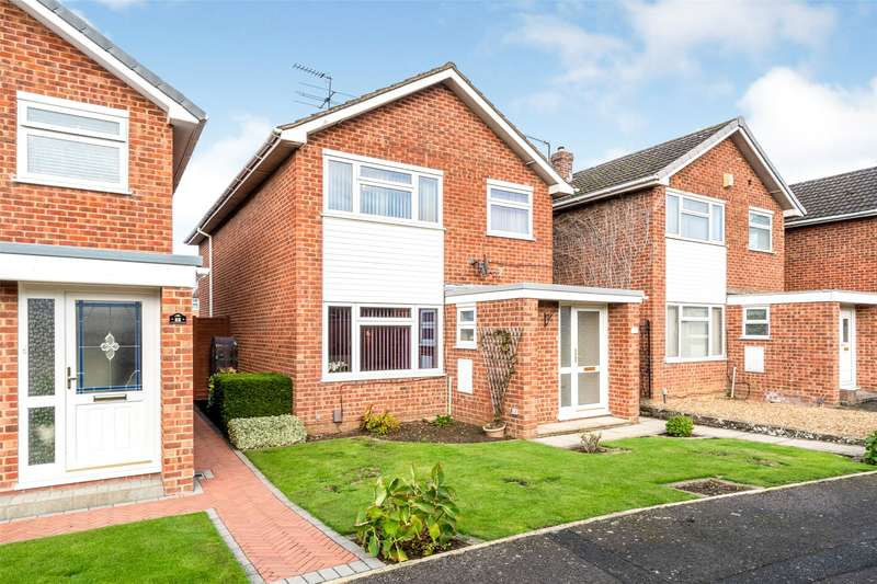 3 Bedrooms Detached House for sale in Stanwick Drive, Cheltenham, GL51