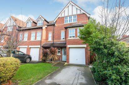 4 Bedrooms Mews House for sale in Larton Farm Close, Newton, Wirral, CH48