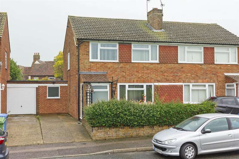 3 Bedrooms Semi Detached House for sale in Forge Road, Sittingbourne