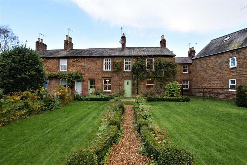4 Bedrooms Property for sale in Thorpes Terrace, Uppingham
