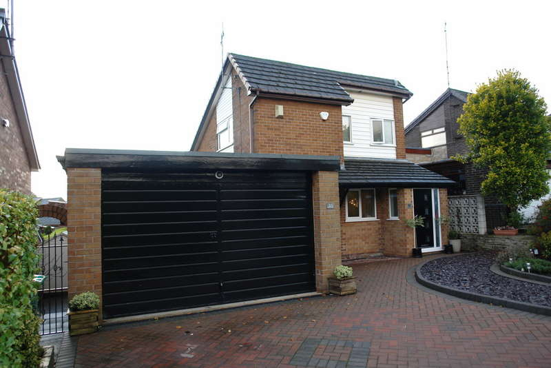 3 Bedrooms Detached House for sale in Tandlewood Park, Royton, Oldham