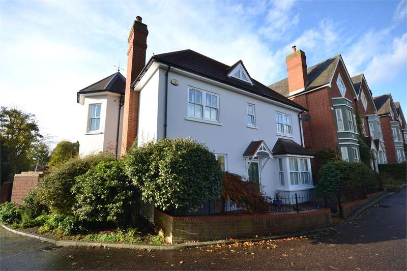 4 Bedrooms Detached House for sale in Sanders Close, Stansted Mountfitchet.