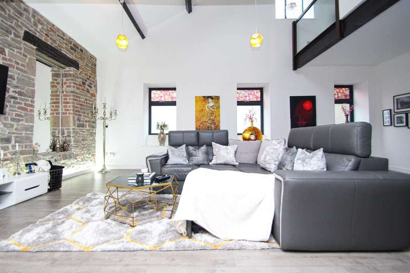 3 Bedrooms Apartment Flat for sale in Apt 6, Powermill, Holcombe Road, Helmshore, Rossendale
