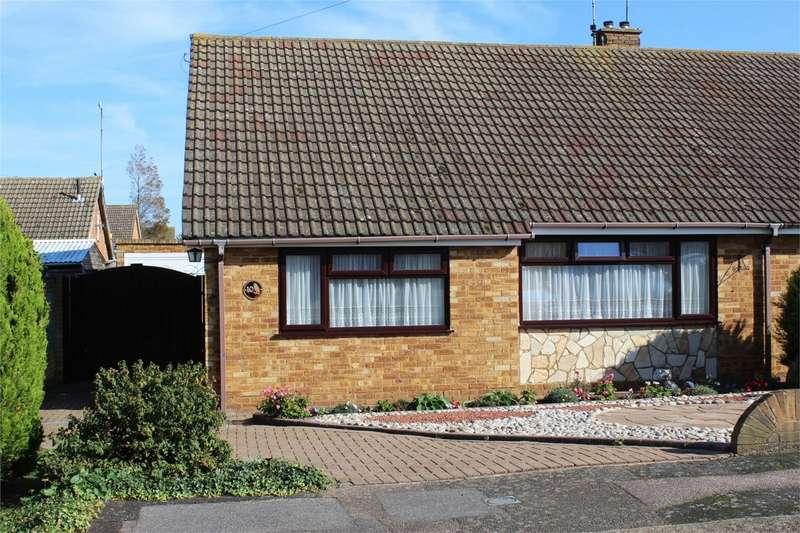 2 Bedrooms Semi Detached Bungalow for sale in Cooden Close, Rainham, Rainham, GILLINGHAM, Kent