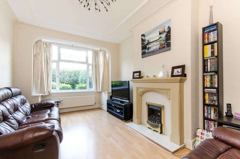 3 Bedrooms End Of Terrace House for rent in Hamilton Road, South Wimbledon, SW19
