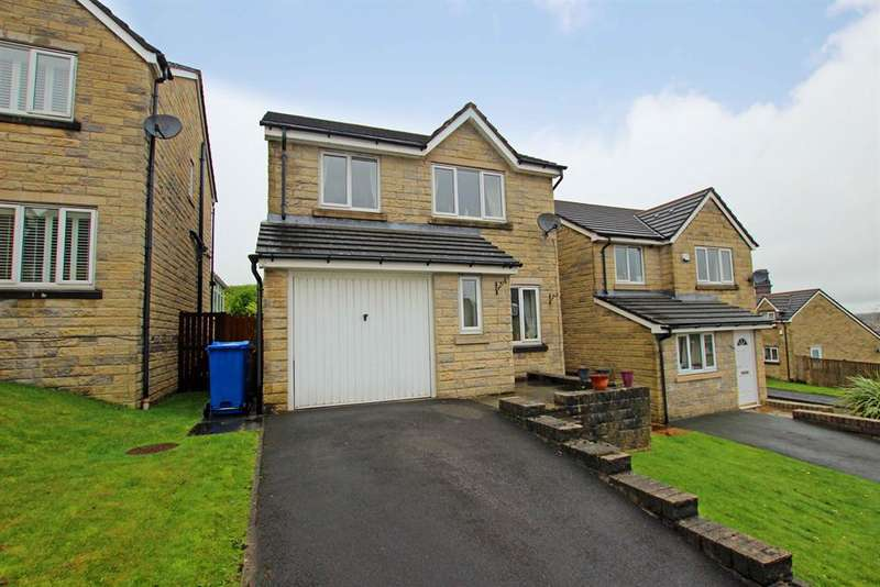 3 Bedrooms Detached House for sale in Astley Heights, Darwen, BB3 2TE