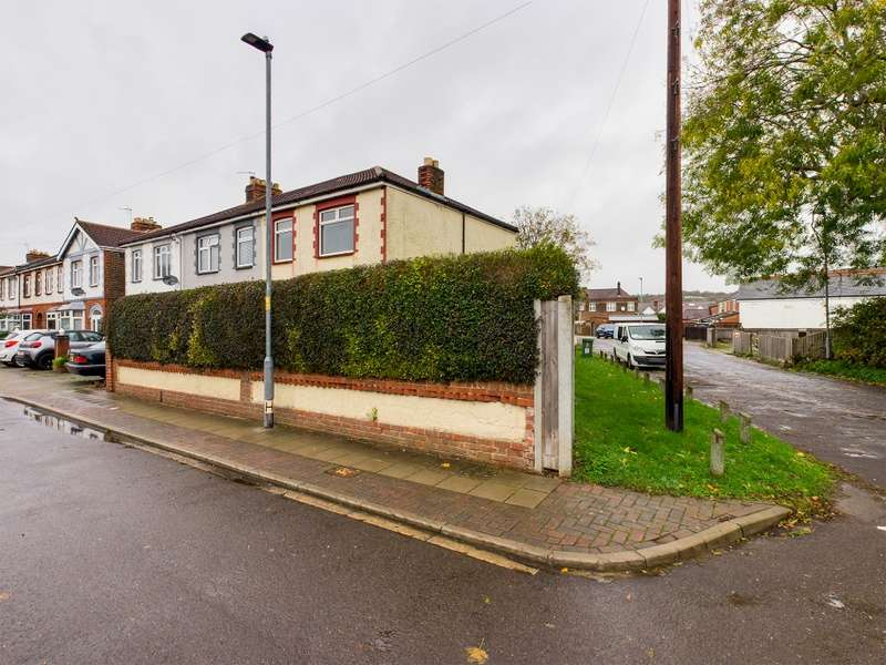 3 Bedrooms End Of Terrace House for sale in Knowsley Crescent, Cosham, Portsmouth, PO6 2PJ