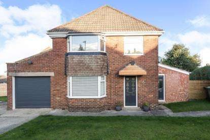 3 Bedrooms Detached House for sale in Masefield Road, Sheffield, South Yorkshire