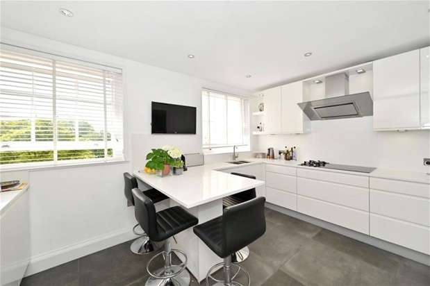 4 Bedrooms Flat for rent in Cumberland Terrace, St John's Wood