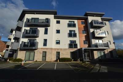 2 Bedrooms Flat for rent in Field View, Chatsworth Road, Brampton, Chesterfield, S40