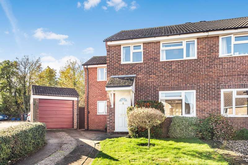 4 Bedrooms Semi Detached House for sale in Byron Close, Hitchin, SG4