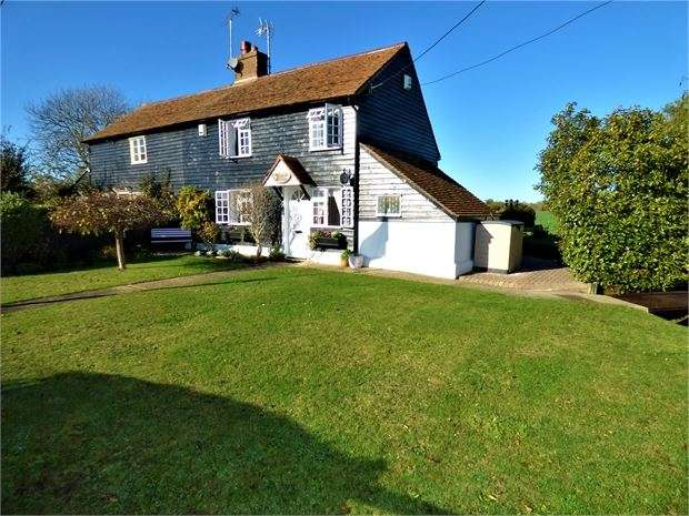 2 Bedrooms Cottage House for sale in Barling Road, Barling Magna, Southend on sea, SS3 0QJ
