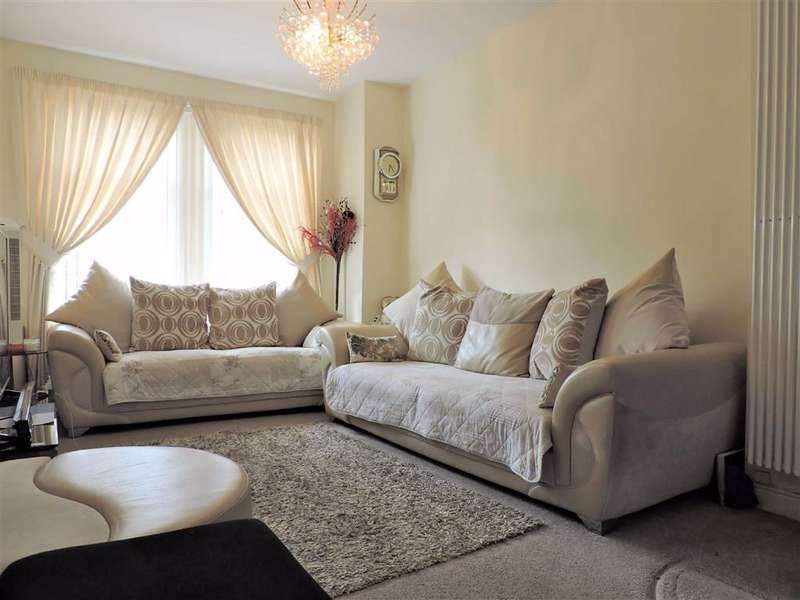 3 Bedrooms Terraced House for sale in Lonsdale Road, Manchester