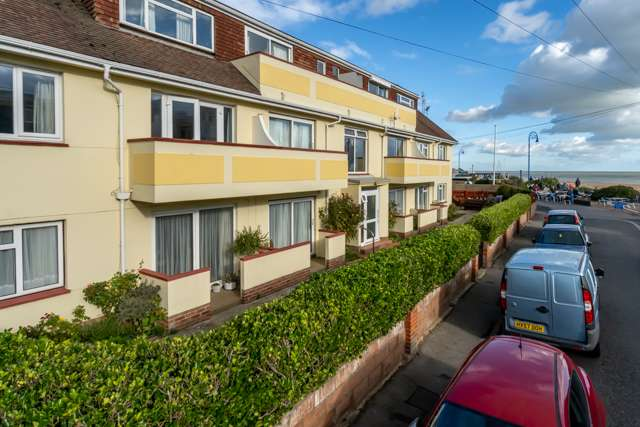 2 Bedrooms Ground Flat for sale in Canning Court, Canning Road, Felpham, Bognor Regis, West Sussex, PO22 7AE