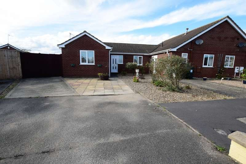 2 Bedrooms Bungalow for sale in Scotts Close, Skegness, Lincolnshire, PE25