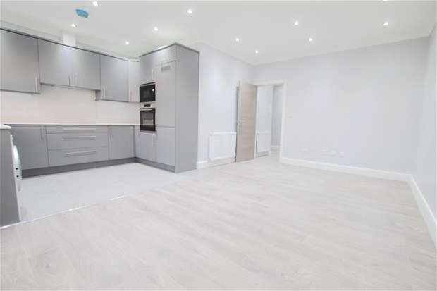 2 Bedrooms Flat for rent in Church Lane , East Finchley