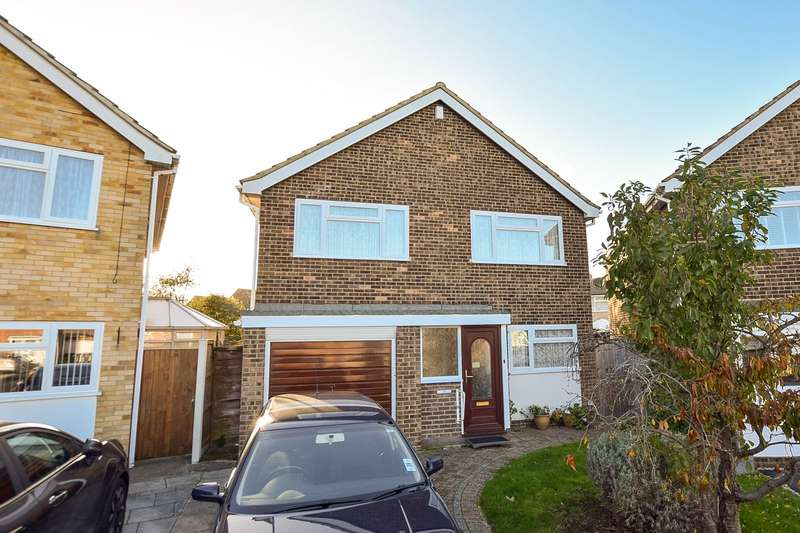 4 Bedrooms Detached House for sale in Darenth Close, Herne Bay