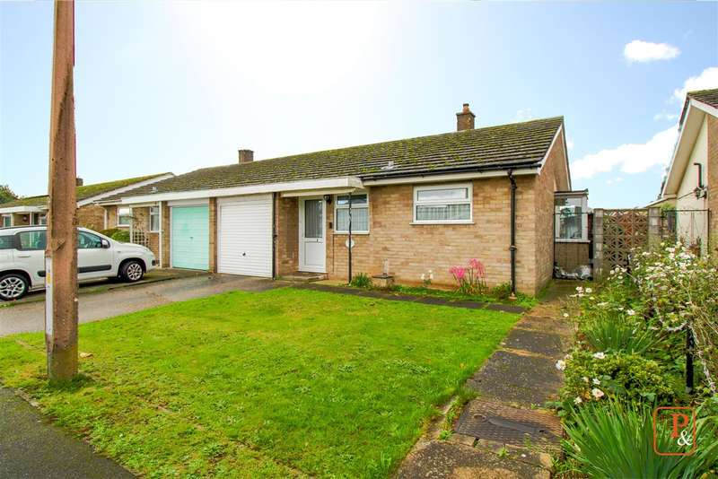 2 Bedrooms Bungalow for sale in Frensham Close, Stanway, Colchester, CO3