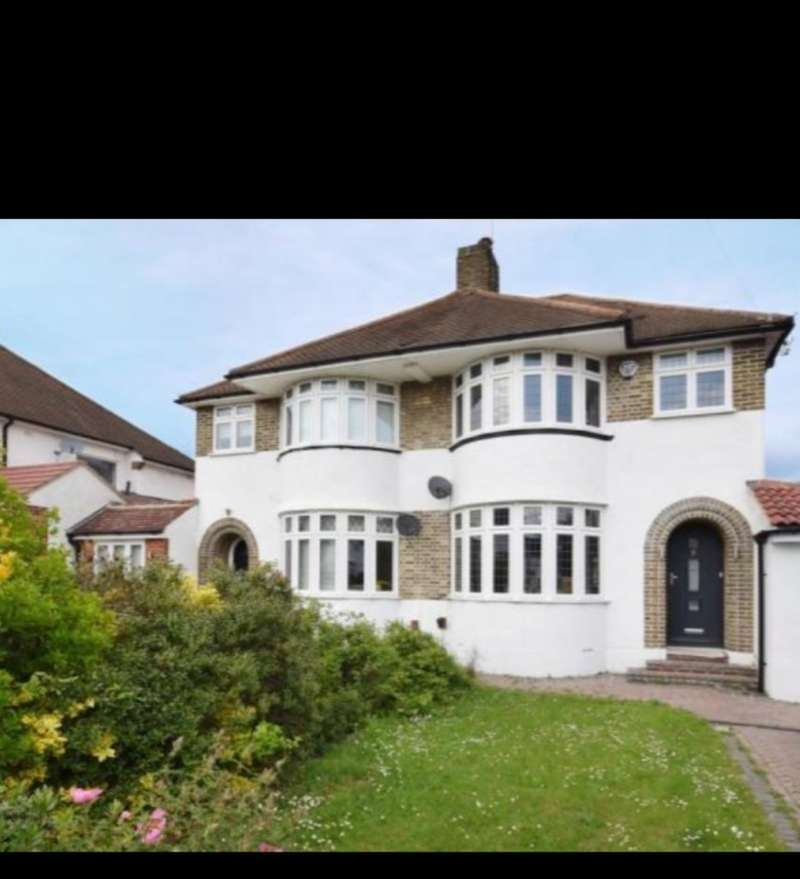 4 Bedrooms Semi Detached House for sale in Molescroft, London