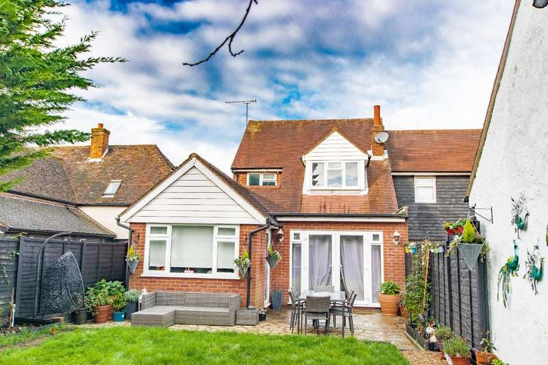 4 Bedrooms Link Detached House for sale in The Street, High Roding