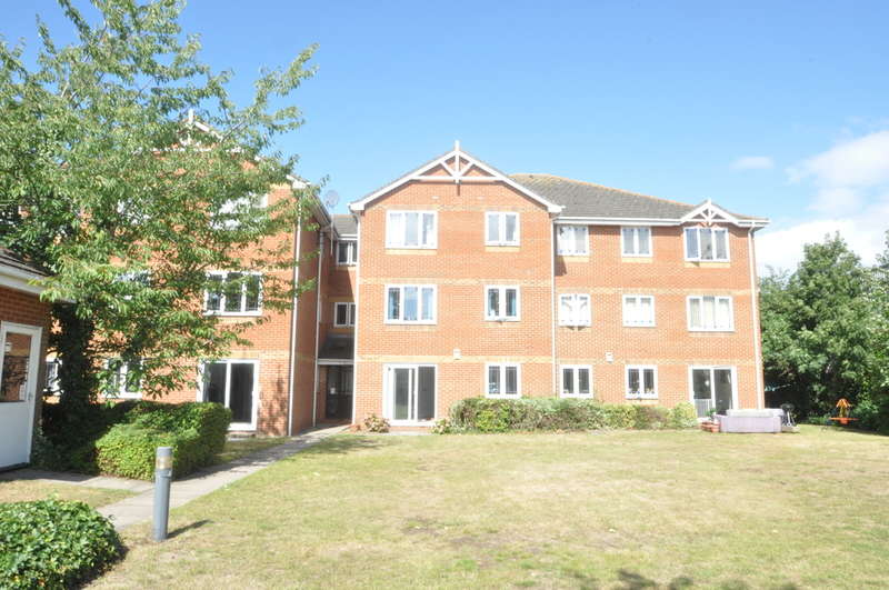 1 Bedroom Flat for sale in Hadleigh, Essex