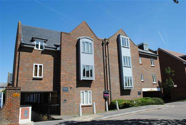2 Bedrooms Apartment Flat for rent in Sillence Court, Royston