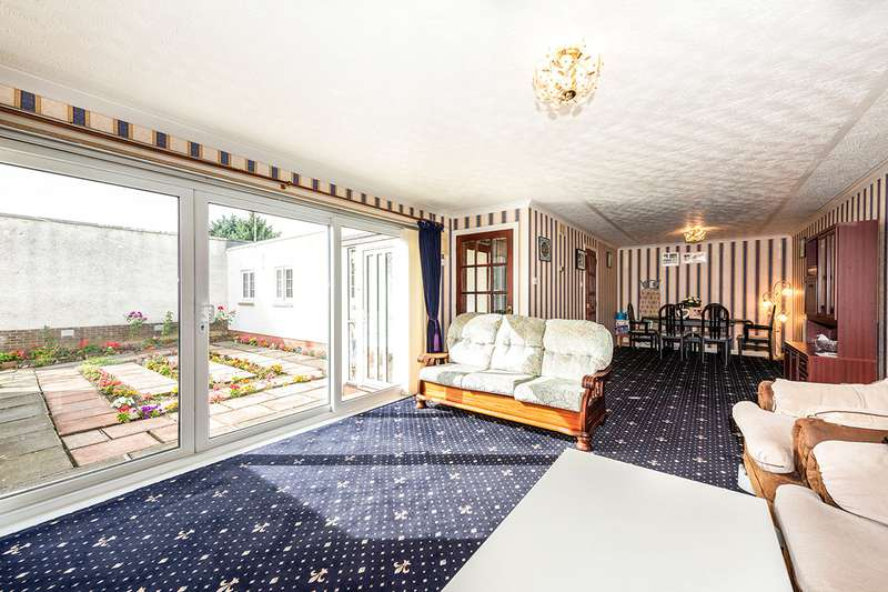 3 Bedrooms Bungalow for sale in Cortleferry Grove, Dalkeith, Midlothian, EH22